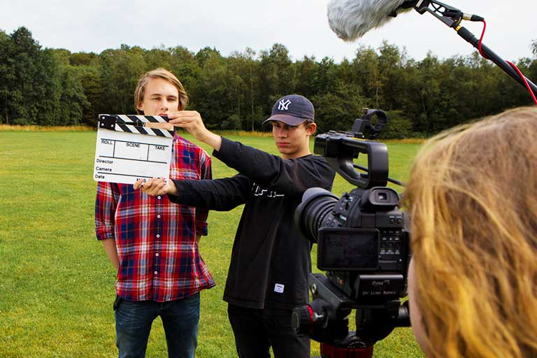 Film-optagelse-med-klaptrae-768