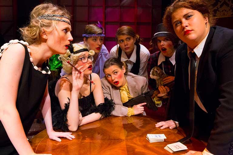 Teater-forestilling-gamblerbord-768