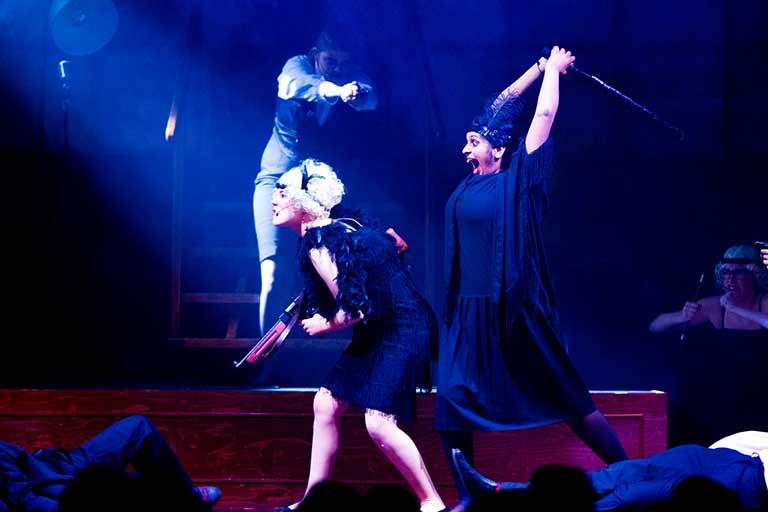 Teater-forestilling-mord-768